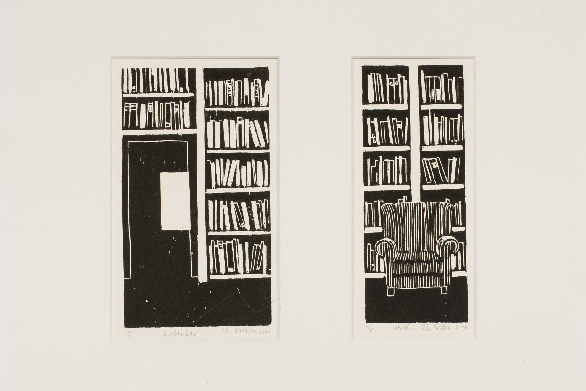Boekenkast en stoel